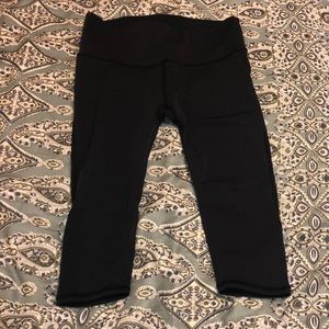 Knee length lululemon capris